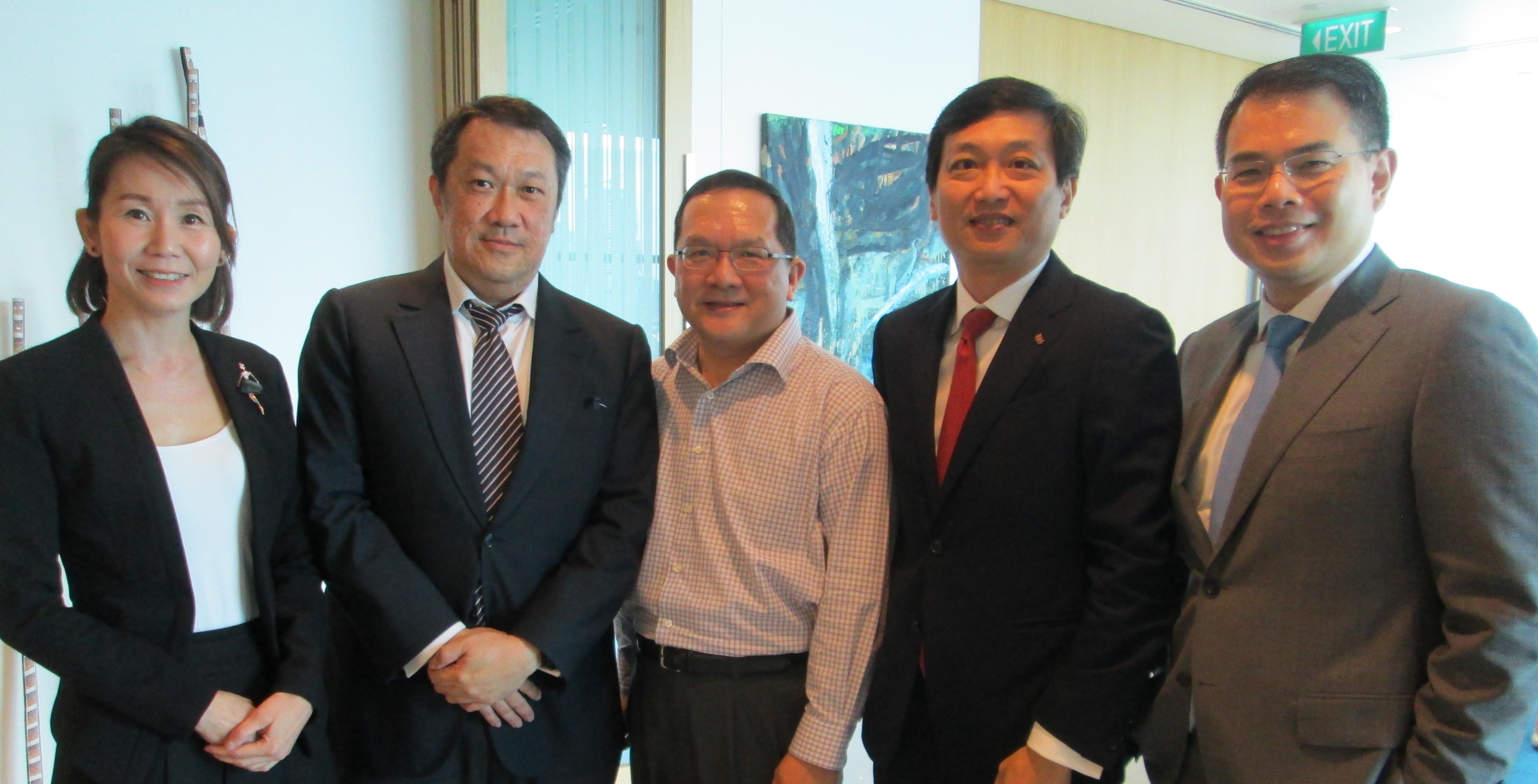 (From L-R) Ng Hsueh Ling (Keppel REIT), Ho Sing (Starhill Global REIT), Soong Tuck Yin (Macquarie Securities), Ronald Tay (Ascott REIT), and Koh Wee Lih (AIMS AMP Capital Industrial REIT).